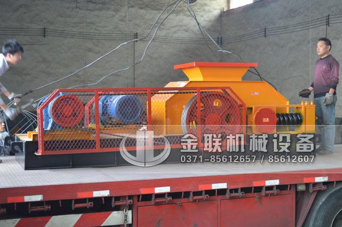 86鹅卵石制砂机生产线设备发往广东4