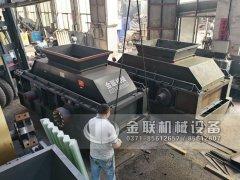 大型直连式液压对辊破碎机发货 发往新疆